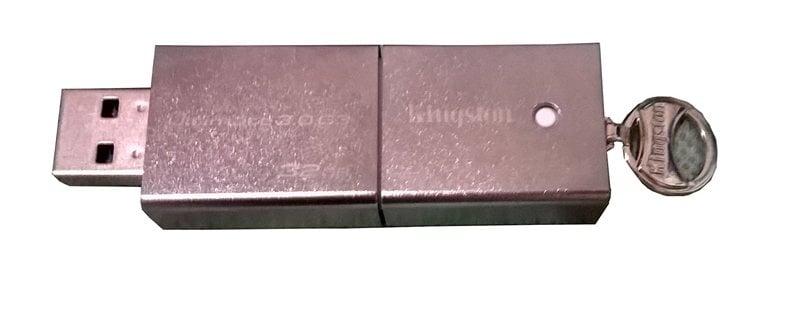 Kingston DataTraveler Ultimate 3.0 G3 32 GB Flashdisk Berukuran Besar Durabilitas Baik 3