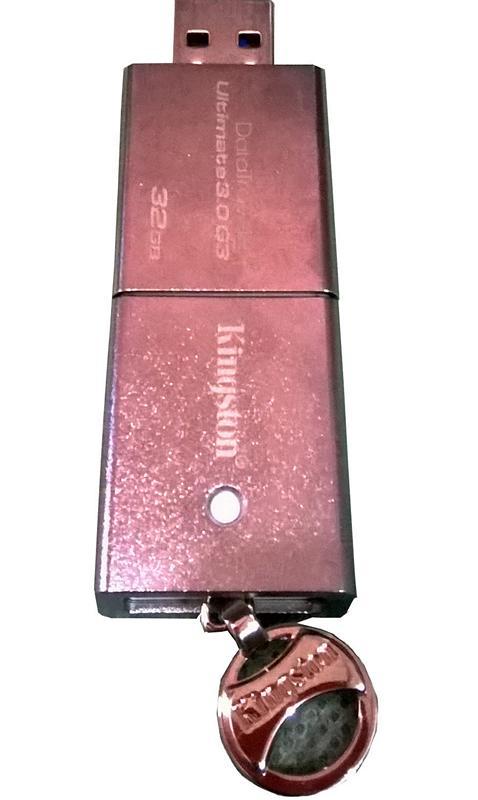 Kingston DataTraveler Ultimate 3.0 G3 32 GB Flashdisk Berukuran Besar Durabilitas Baik 4